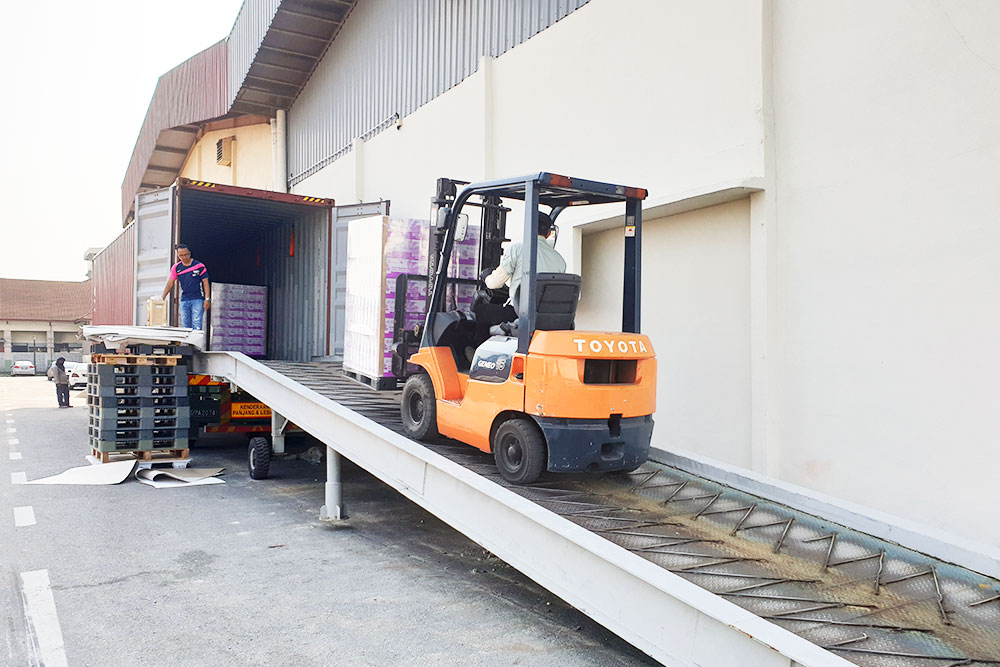 Loading & Unloading Container